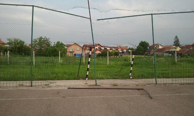 """Rušenje golova i terena u Radničkoj ulici""""!"""